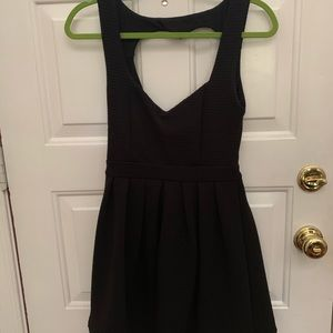 Fit & Flare Dress w Heart cut-out, S